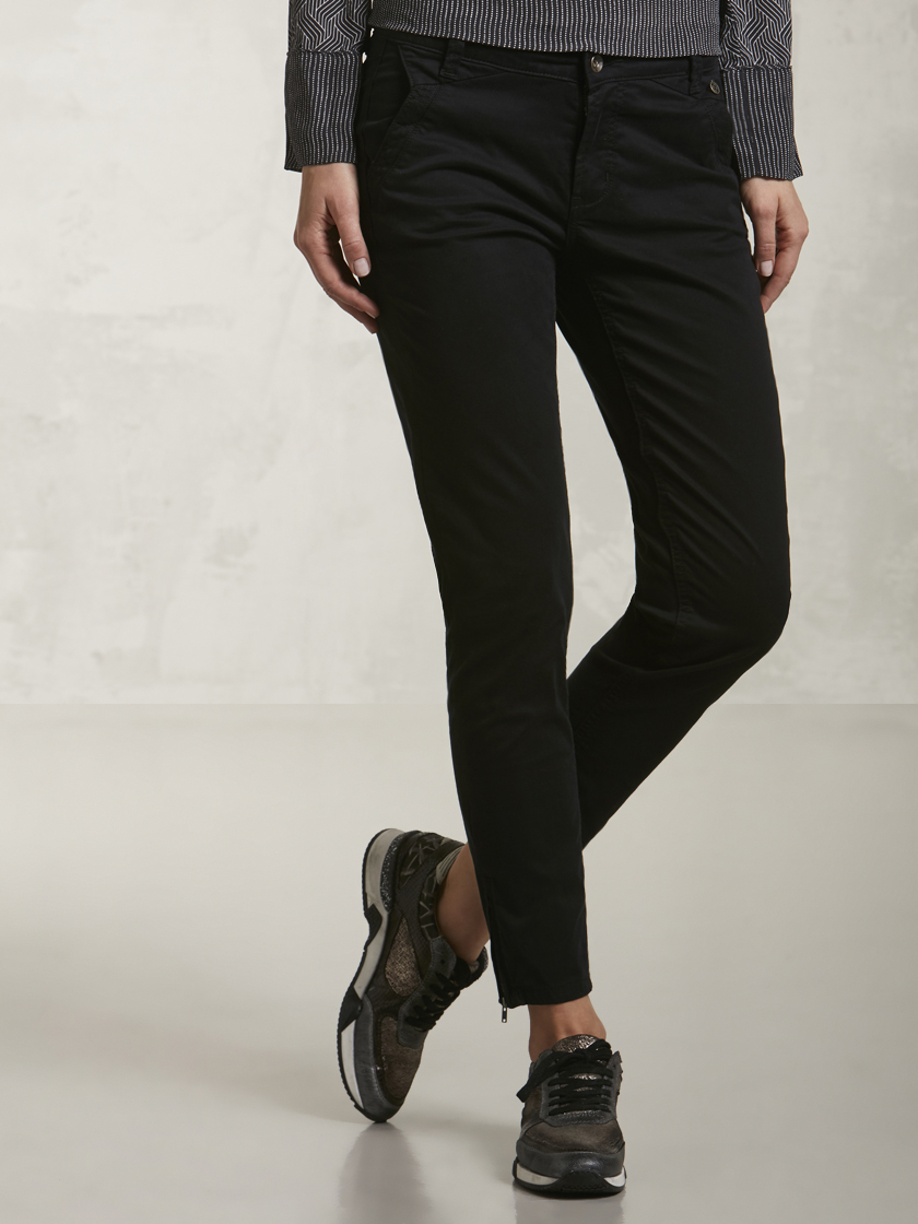 Nile f16636b 02 black%20plain