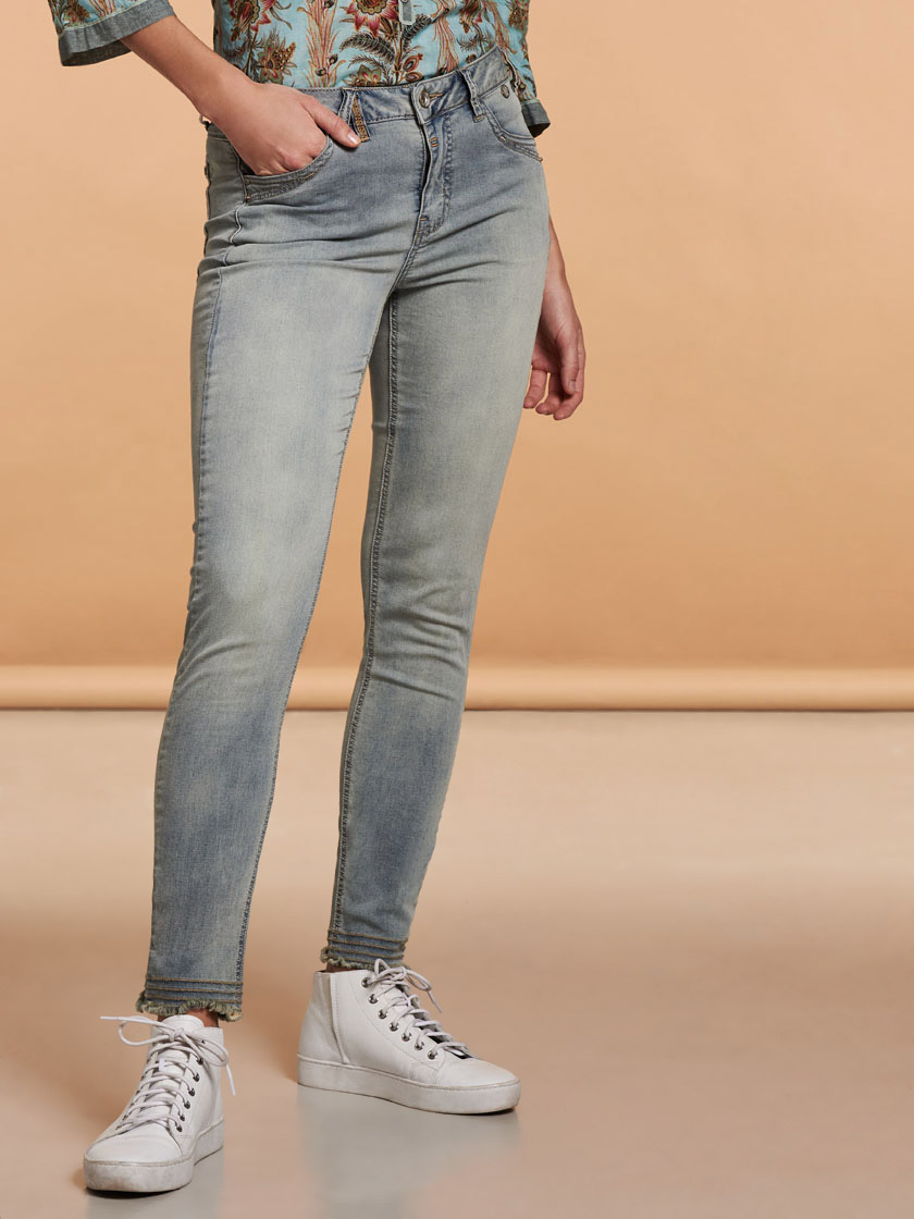 Nile f17444 02 light%20denim